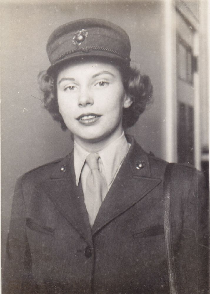 [Women][World War II][Marine Corps Women's Reserve]Photo Album Compiled by Female Marine. Dorothy Jean Lind.